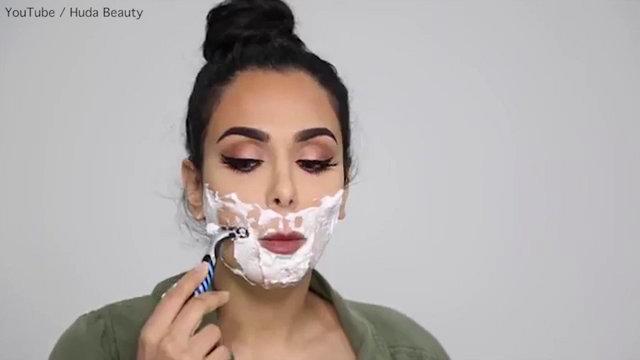 Asyalı kadınların sırrı 'yüz tıraşı'nı denedi…