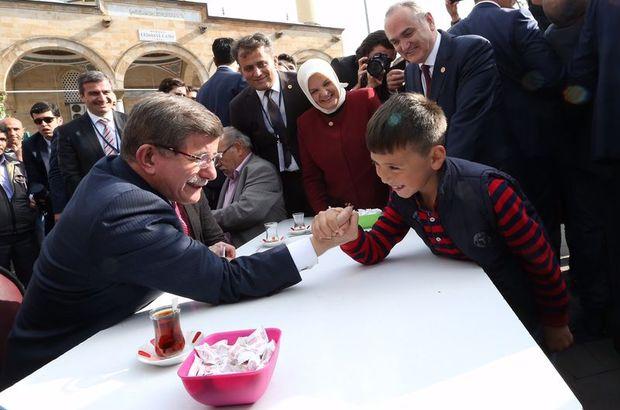 Ahmet Davutoğlu Enes bilek güreşi