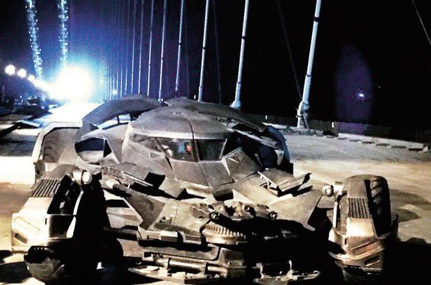 THY'nin reklam filmi için Batmobile, 3. köprüden geçti
