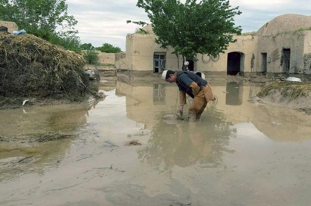 Afganistan'ın kuzeyini sel vurdu