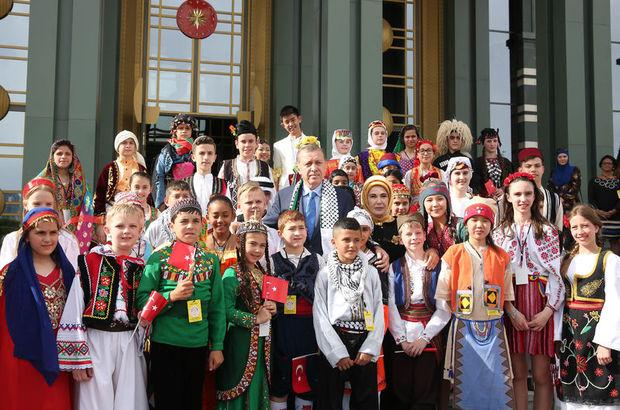Cumhurbaşkanı Erdoğan çocuklara seslendi: Siz çocuklar yalansız, riyasız sevginin adısınız