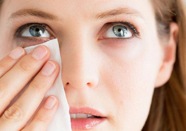 Rimel sürerken göze batırılan fırça zarar verir mi?