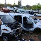 """Kaza yapan aracı """"taksit taksit"""" çaldılar"""