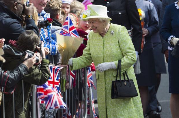 İngiltere Kraliçesi II. Elizabeth, 90. yaş gününü kutluyor.