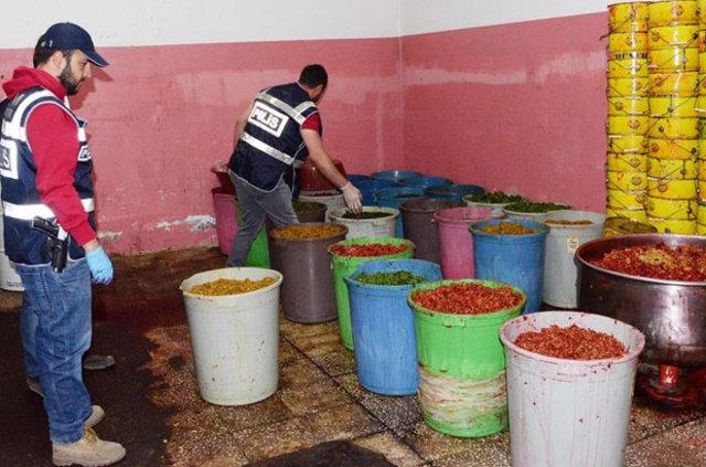 Diyarbakır'da 7 ton kaçak nargile tütünü ele geçirildi