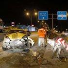 İzmit'te yol ayrımındaki bariyere çarpan sürücü yaralandı