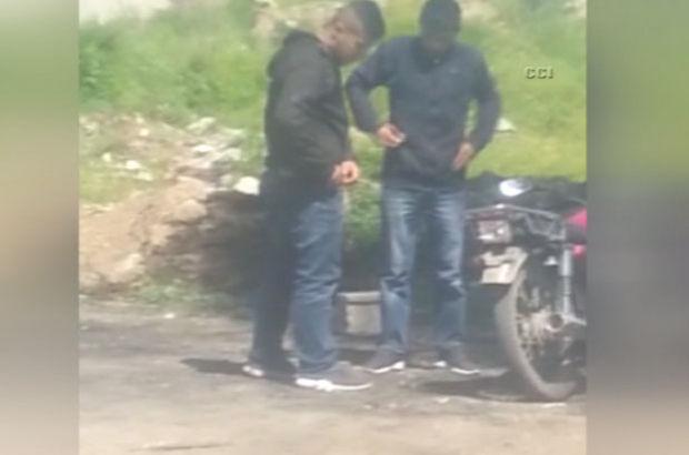 Adana'da kapkaç zanlılarının çaldıklarını paylaşması kamerada