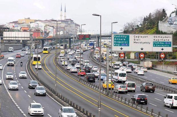 Bisiklet turu ve maraton İstanbul trafiğini kilitledi