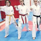 Karateci kızlar İzmir'de 3'ncü oldular