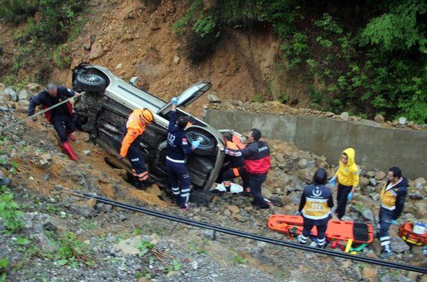 Zonguldak'ta otomobil şarampole devrildi: 1 ölü, 1 yaralı