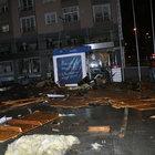 Zonguldak'ta fırtına çatıları uçurdu