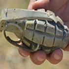 Denizli'de tarlada 4 el bombası bulundu