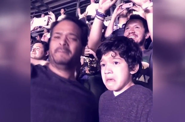 Otizmli çocuğun konser sevinci
