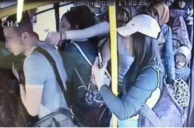 Halk otobüsünde tacize tekme tokat dayak!