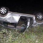 Bartın'da yoldan çıkan araç takla attı: 2 yaralı