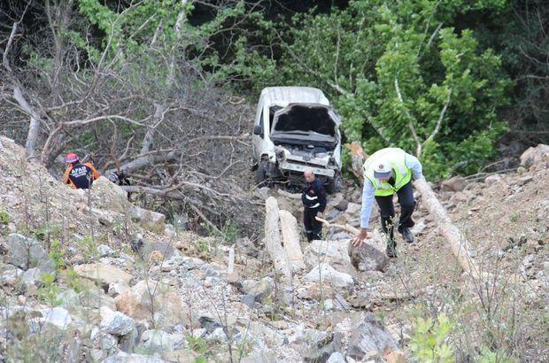 Bursa'da Aydın Yazık otomobiliyle 50 metrelik uçurumdan yuvarlandı
