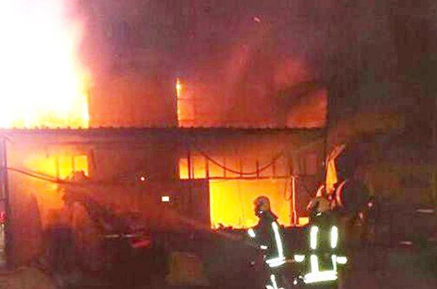 Denizli'de elyaf deposunda yangın