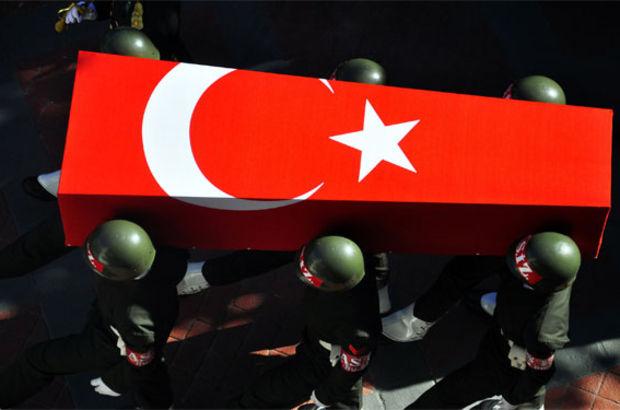 İzmir'de birliğinde askeri araç çarpan er yaşamını yitirdi