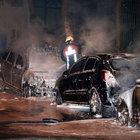 Fatih'te 6 araç kundaklandı