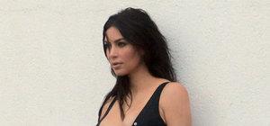 Kim Kardashian, doğumdan sonra ilk kez mayolu görüntülendi