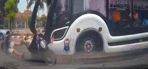 Karşıya geçme için acele edince otobüsün altında kaldı