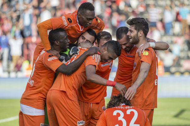 PTT 1'inci Lig'de şampiyonluğu garantileyerek Süper Lig'e çıkan Adanaspor kupasına kavuşuyor