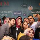 Sümeyye Erdoğan ve nişanlısı Selçuk Bayraktar ilk defa yanyana görüntülendi