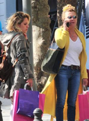 Anne-kız alışveriş yaptılar