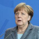 Merkel'den 'vizesiz seyahat' açıklaması