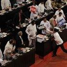 Sri Lanka'da kavga eden milletvekillerinin görevi askıya alındı