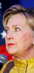 Hillary Clinton'ın yardımcısını FBI sorguladı