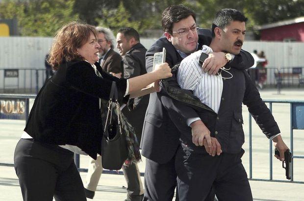 Can Dündar'a adliye önünde saldırı girişimi!