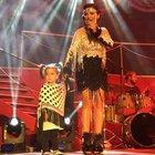 Demet Akalın'ın kızı Hira sahnede