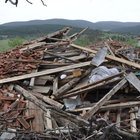 Hortum Taşköprü'de 2 köyü yıktı geçti