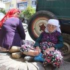 Aydın'da 85 yaşındaki Sultan nine kaldırımda akşamladı