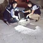 Malatya'da polisi görünce çaldıkları kasayı attılar