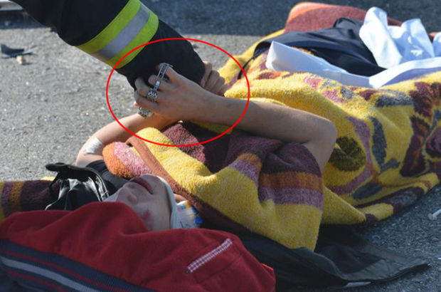Konya'da kaza yapan genç babasının saatini elinden bırakmadı