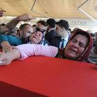 Şemdinli şehidi Bestami Güler'i 15 bin kişi son yolculuğuna uğurladı