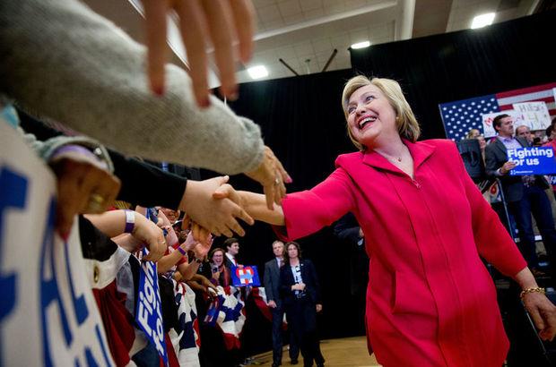 Hillary Clinton bağış yarışını önde götürüyor