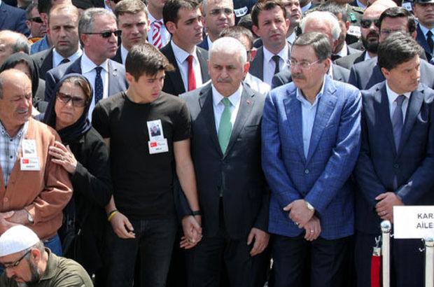 Binalı Yıldırım Ankara'da şehit cenazesine katıldı