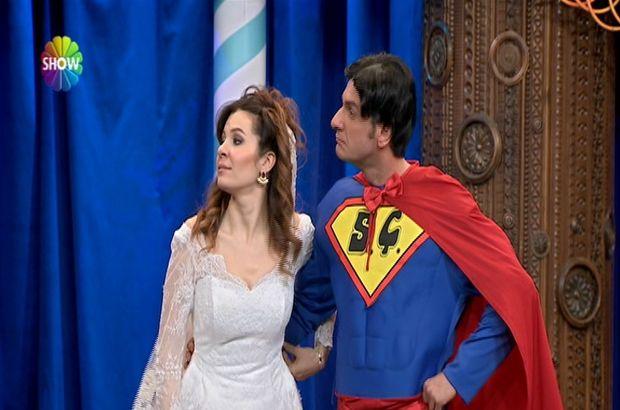 Süper kahramanın düğün töreni!