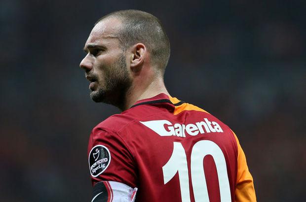 Wesley Sneijder'e 11 sarı kart