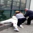 İzmir'de bıçaklı kadınların kavgasına kimse müdahale edemedi