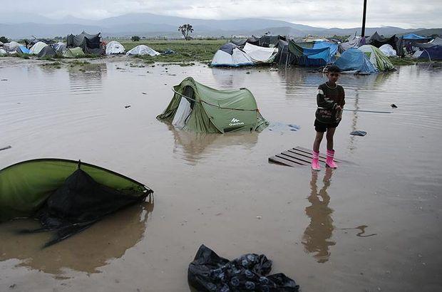 İdomeni'deki sığınmacı kampını su bastı