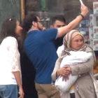 Beyoğlu'nda 15 günlük bebekle dilenen 2 kadın yakalandı