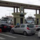 Çanakkale'de tatil dönüşü feribot kuyruğu