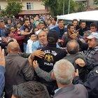 Samsun'da kazanın ardından vatandaş yolu kapattı