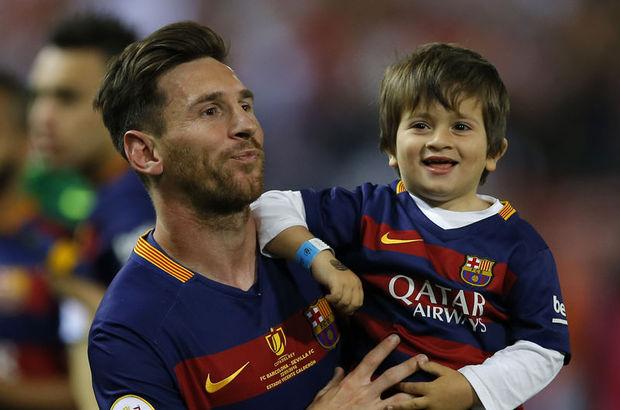 Lionel Messi, kupalar kazanmaya devam ediyor