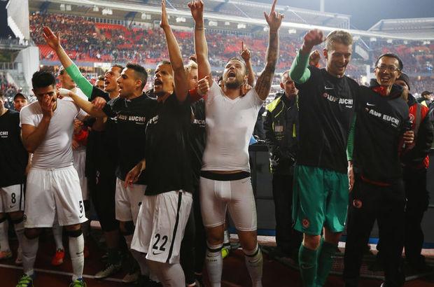 Eintracht Frankfurt, Bundesliga'da kaldı