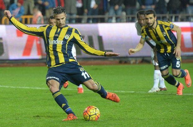 Süper Lig Robin Van Persie penaltı